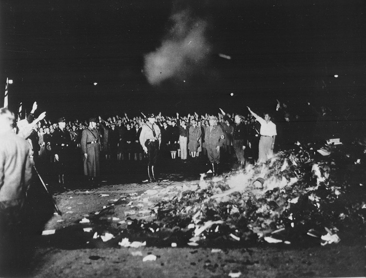 Bookburning Berlin Opernplatz 10 5 1933