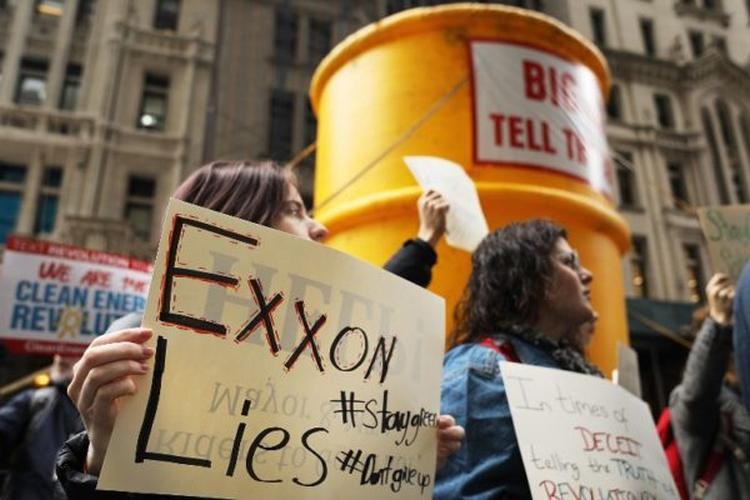 exxon big oil tell the truth NY Spencer Platt Getty Images North America AFP e1539691609668