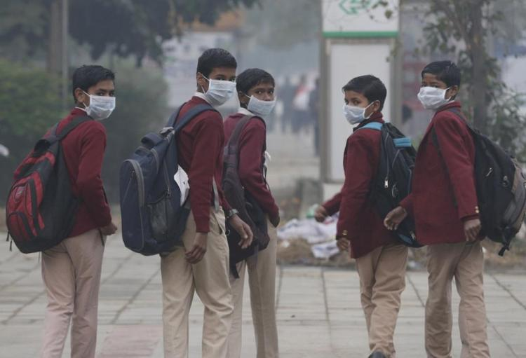 0.94089800 1510678533 air pollution delhi