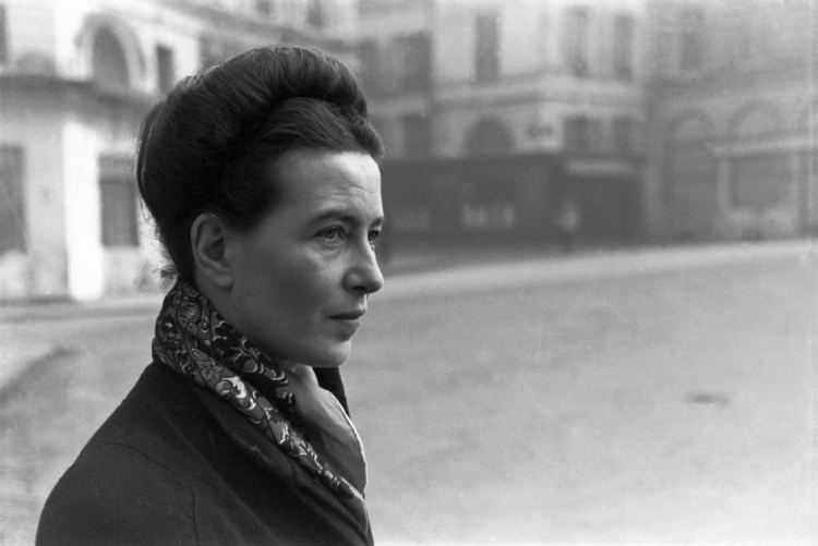 CARTIER BRESSON 1945 Simone de Beauvoir