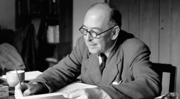 cs lewis at desk